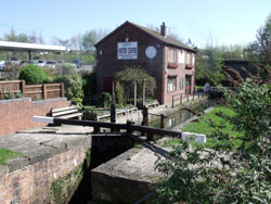 Tapton Lock Visitor Centre and Chesterfield Canal